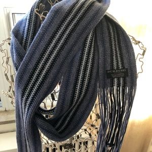 Burberry striped wool scarf. Excellent condition.